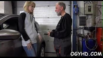 Порно ролики молодых русских девушек